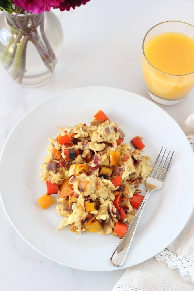 Scrambled Eggs with Bacon and Sweet Peppers | www.downshiftology.com
