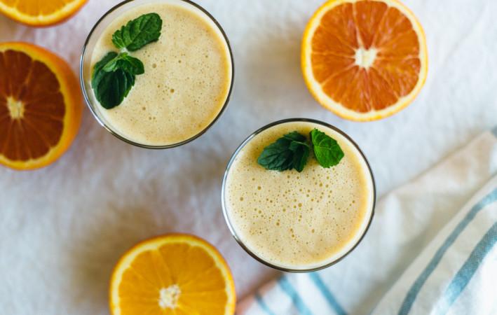 Almond orange smoothie. A great dairy-free, breakfast smoothie.