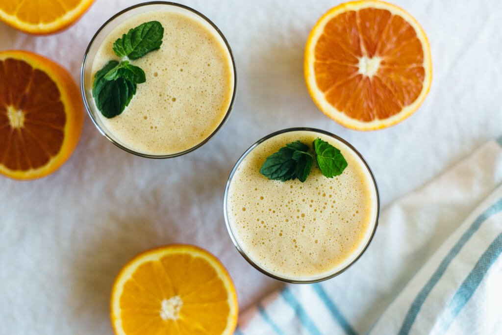 Almond orange smoothie. A great dairy-free, breakfast smoothie.
