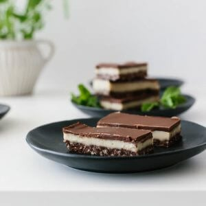 (gluten-free, dairy-free, paleo, vegan) The most delicious chocolate peppermint slice (or bar or square, depending on how you cut them). It's decadently, creamy and delicious. The perfect (almost healthy) sweet treat!