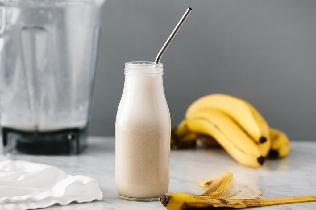 Banana Milk (vegan, dairy-free)