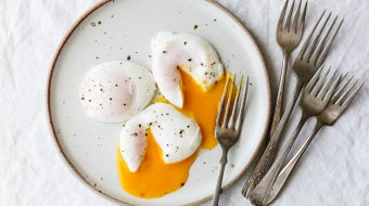 Poached Eggs are the perfect healthy breakfast recipe. Here's how to poach an egg perfectly every time.