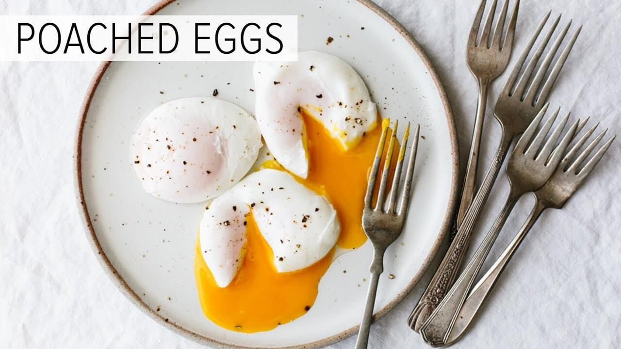 how to cook poached eggs without vinegar