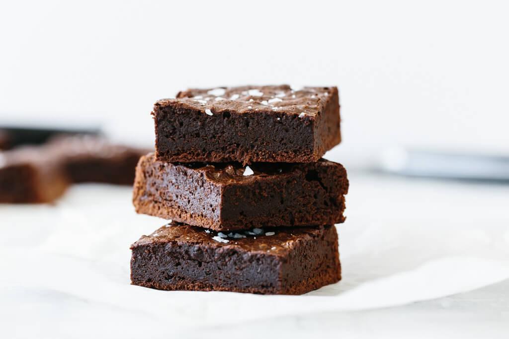 Paleo Brownies (Decadent Fudgy Brownies!)